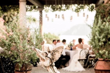 matrimonio D+M Villa Cipressi Lago di Como fontana ph. Valeria Beltrami