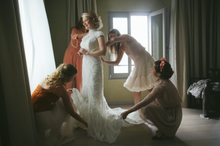 matrimonio R+S Lago d'Orta sposa si veste ph. Peter Karasev