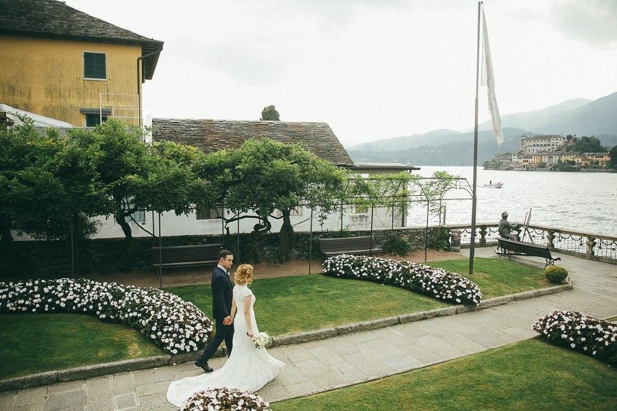 matrimonio R+S Lago d'Orta sposi ph. Peter Karasev