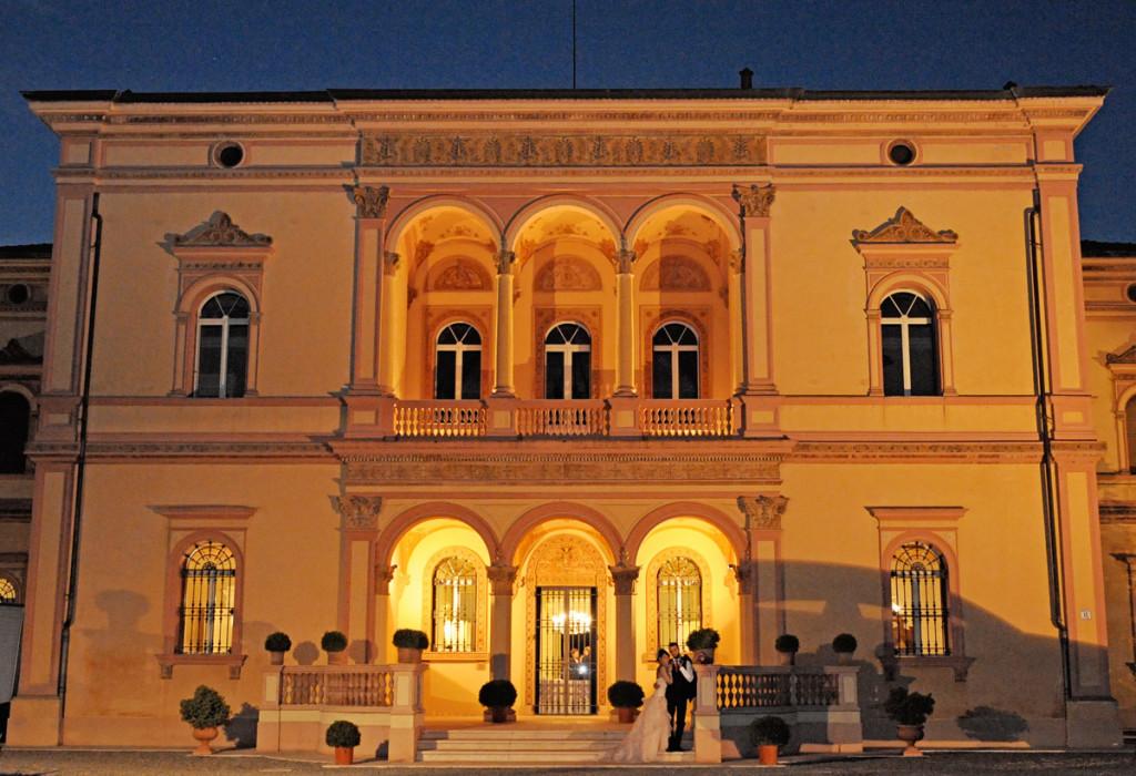 Villa wedding by night ph. Daniele Venturelli